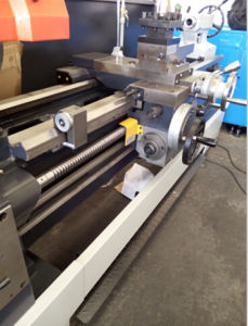 Cq6280c High Precision Gap Lathe Machine with ISO9001 pictures & photos