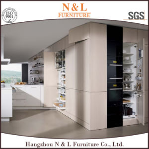 White Laminated Kitchen Furniture with High Quality pictures & photos