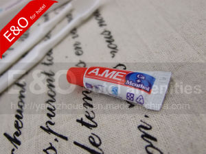 High Quality Cheap Price White Plastic Toothbrush pictures & photos