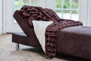 Signature Chocolate Super Soft Warm Polar Faux Fir with Sherpa Footsie Blanket pictures & photos