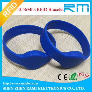 Silicione Tk4100 RFID Wristband Manufacturer pictures & photos