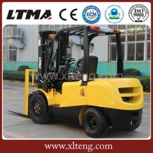 Brand New 2t 2.5t Diesel Forklift Truck with 3-Stage Mast pictures & photos