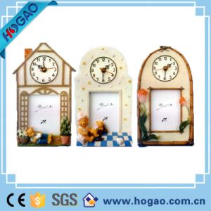 Window Shape Resin Gift Creative Clock Photo Frame Set pictures & photos