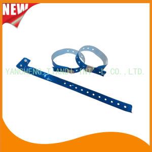 Entertainment Custom Plastic Vinyl Festival Evens ID Bracelets Wristbands (E60705) pictures & photos