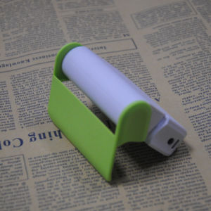 Young Style Travelling Charger Power Bank for Smart Phone with a Mirror and Holder pictures & photos