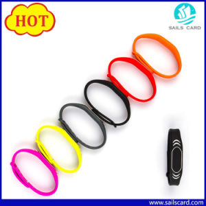 125kHz/13.56MHz RFID Wristband Tag for Swimming Pool pictures & photos