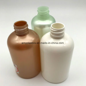 Solid - Colored Cylindrical Plstic Bottle for Liquid Packaging pictures & photos