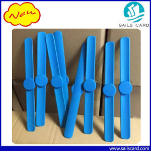 125kHz 13.56MHz Silicone RFID Wristbands for Sauna/Gyms pictures & photos