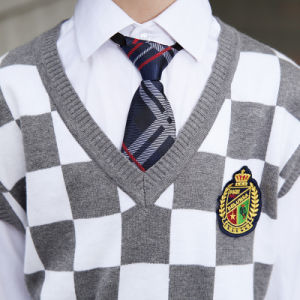 Knitted Vest with Skits and Pants School Uniform Plaid Vest pictures & photos