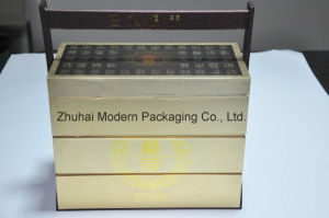 High-End Portable Mooncake Gift Packaging Box with Wooden Handle pictures & photos