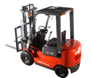 Hot on Sale 1.8 Ton Diesel Forklift Truck pictures & photos