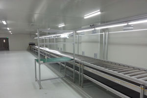LED TV Assembly Line in Cleanroom pictures & photos