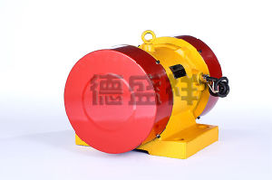 0.37kw Vibrating Motor AC Motor Electric Motor pictures & photos