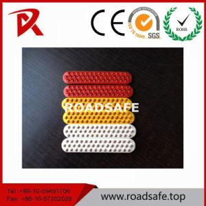 Traffic Equipment Plastic Sheet 43 Plastic Beads Reflective Sheeting Reflector pictures & photos