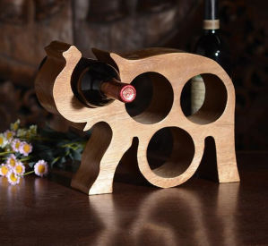 Elephant Shape Wooden Wine Display Rack pictures & photos
