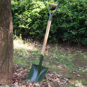 Pointed Wooden Handle Garden Shovel in Guangzhou Supplier pictures & photos