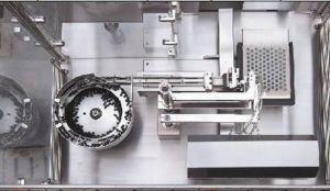 Plastic Pre-Filling Vacuum Syringe Liquid Filling Machine pictures & photos
