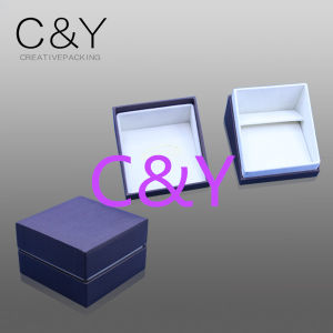 Paper Jewellery Gift Packaging Box in Special Art Paper pictures & photos