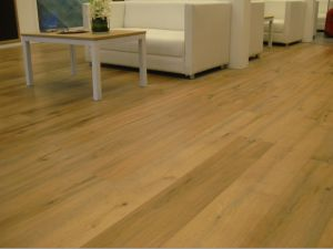 Natural Oiled Oak Engineered Wood Parquet / Hardwood Flooring pictures & photos