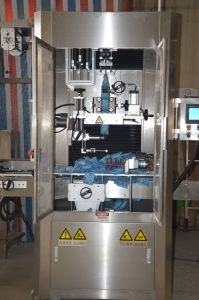 Fully Automatic Juice Bottle Shrink Sleeve Labeling Machine and Shrink Tunnel pictures & photos