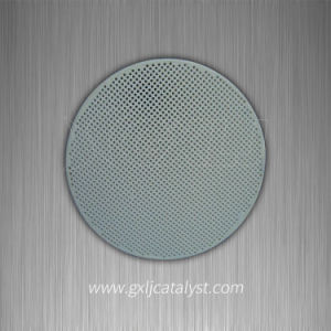 Honeycomb Ceramic Substrate of Catalytic Converter Cordierite Ceramic Honeycomb Filter pictures & photos