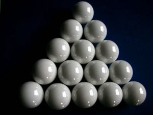 High Strength Wear Resistance White Alumina Ceramic Grinding Ball pictures & photos