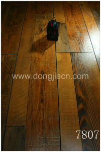 Exotic Synchronized Walnut Laminate Flooring 7807 pictures & photos