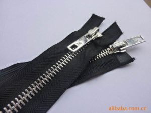 Fashion Black Metal Zipper Roll for Jeans pictures & photos