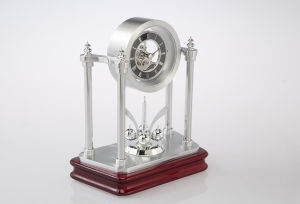 Hot Selling High Quality Metal Table Clock pictures & photos