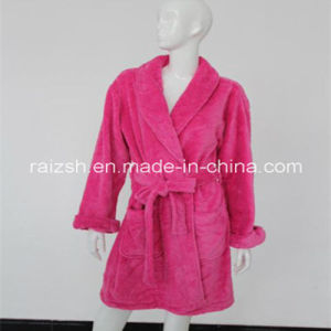 Heart Emboss Coral Fleece Robes pictures & photos