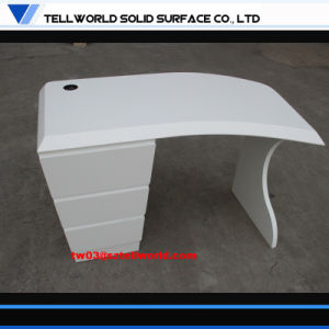 2017 Modern Office Furniture Guangdong Acrylic Computer Desk pictures & photos