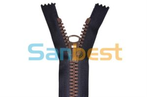 High Quality Fashion Resin Zippers for Bags pictures & photos