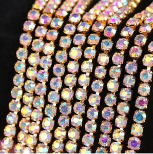 Point Back Rhinestone Cup Chain Rhinestone Crystal Chain (TCS-SS10 crystal ab) pictures & photos