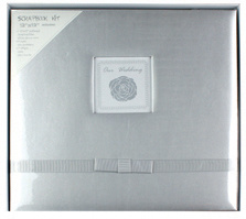 """12""""X12"""" Silk Fabric Scrapbook Album with Frame and Ribbon for Baby Boy pictures & photos"""