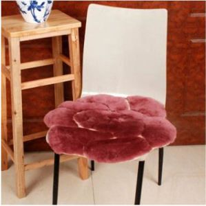 Soft Comfortable Sheepskin Chair Cushion with Flower Pattern pictures & photos