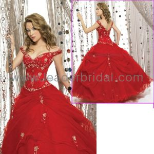 Cap Sleeve Red Embroidery Quinceanera Dress Bridal Ball Gow E9985 pictures & photos