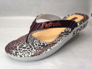 EVA Fashion Flip Flops with Leopard Pattern in The Insole (21GL1606) pictures & photos