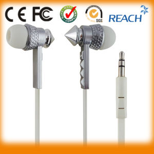 Popular Charming Fashion Metal Earphone pictures & photos