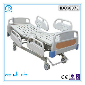 Good Prices Luxury Three Funtions Electric Medical Bed pictures & photos