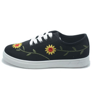 New Embroidery Sunflower Classical Student Women Men Rubber Shoes pictures & photos