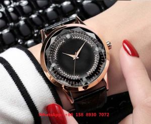 Pretty Graceful Quartz Watch with Leather Strap for Women Fs563 pictures & photos