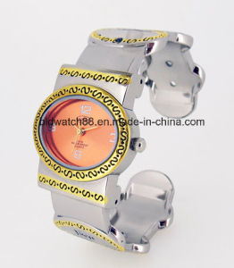 Waterproof Lady Bracelet Bangle Watch for Promotion Gift pictures & photos