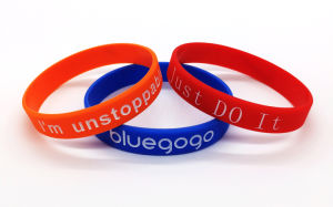 Custom Logo Healthy Care Mosquito Repellent Silicone Bracelets pictures & photos