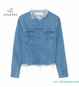 Short Denim Blue Jackets for Women with Concealed Snap Fastenings pictures & photos