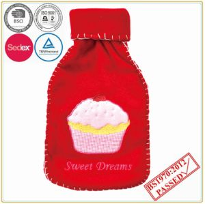 Small Hot Water Bottle with Nice Edge Fleece Cover pictures & photos