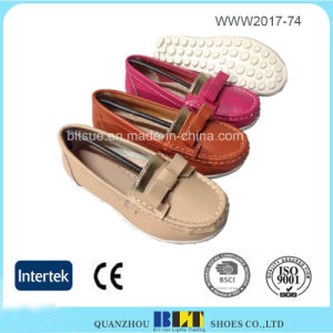 Assorted Colour Silp on Loafer China Women Leather Shoes pictures & photos