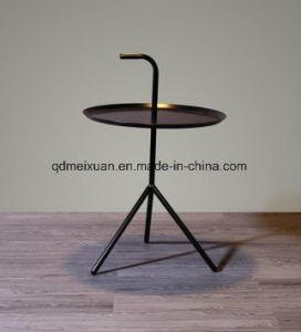 Iron Nordic Round Tea Table Multi-Functional Sofa Edge Round Coffee Table (M-X3763) pictures & photos