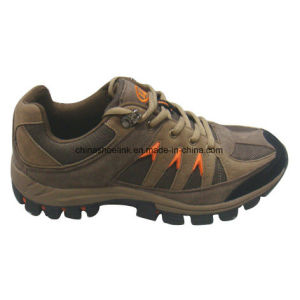New Men′s Hiking Shoes Trekking Shoes Cow Suede Leather pictures & photos