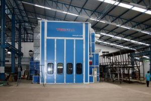Large Industrial Powder Coating Booth Train Spray Booth for Sale pictures & photos
