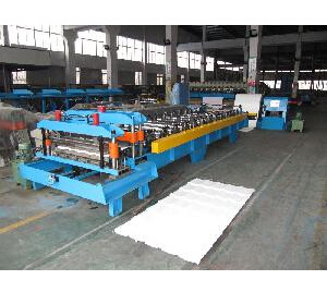 Steel Tile Roll Forming Machine (single mould) pictures & photos